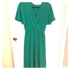Dresses & Skirts - Green maxi dress perfect for summer
